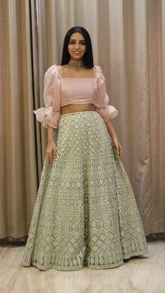 Party Wear Indian Dresses, Designer Party Wear Dresses, Indian Gowns Dresses, Indian Bridal Outfits, Indian Fashion Dresses, Dress Indian Style, Traditional Dresses Designs, Lehnga Dress, Stylish Dress Designs