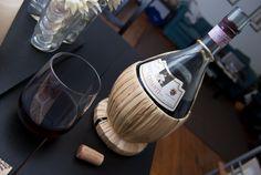 Vino tinto italiano joven, afrutado, de color rojo rubí y con suficiente cuerpo gracias a los meses de barrica que tuvo. El Chianti es un vino suave, algo ácido y muy balanceado que combina una mezcla de sabores y aromas de frutas rojas y algo de cuero.