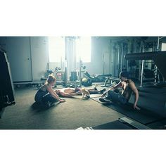 Kat, Dom and Alberto working out with Sophie... #Shadowhunters