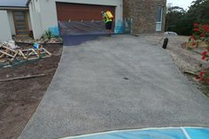 Another great way to use NewLook. Ian and his crew from South Coast Decorative Concrete in Australia have used NewLook in Black on an exposed driveway. What a great way to make a driveway look new and unique.