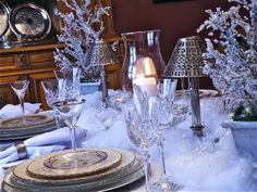 Designer Christmas Tablescapes | Silver-Frosty-Christmas-Tablescape-With-Reindeers-and-Snowflakes_21