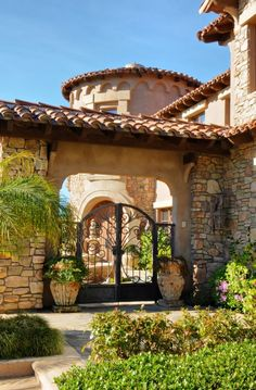 grand entrance Del Mar Meadows - San Diego #CourtYard #Landscape #Outdoor ༺༺ ❤ ℭƘ ༻༻ IrvineHomeBlog.com