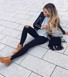 Outfits Mode für Frauen 2019 - Outfit Ideas To Wear Timberland Boots For Girl That You Must - Women Spring/Summer Fashion - 2019 Leather Leggings Outfit, Legging Outfits, Leggings Fashion, Leather Pants, Leather Jackets, Black Leather, Fall Outfits, Casual Outfits, Cute Outfits