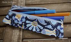 Ateliê da Russa: Estojo escolar Flores azuis