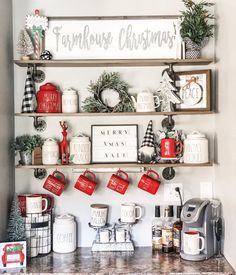 Everything ❤️ 𝒞𝒽𝓇𝒾𝓈𝓉𝓂𝒶𝓈 is currently happening at our house! It all makes me so ʜᴀᴘᴘʏ, but especially decorating this little nook! Christmas Room, Merry Little Christmas, Cozy Christmas, Rustic Christmas, All Things Christmas, Xmas, Farmhouse Christmas Decor, Outdoor Christmas Decorations, Christmas Centerpieces