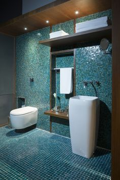 Turquoise bathroom tiles have been popular for years now - they still manage to look fresh! Upstairs Bathrooms, Dream Bathrooms, Beautiful Bathrooms, Modern Bathroom, Small Bathroom, Downstairs Bathroom, Mosaic Bathroom, Bathroom Layout, Bathroom Interior Design