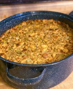 Thanksgiving Dressing Recipe - Grandmas Famouse Recipe
