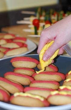 perfect for labor day cookouts + kid-friendly -- hot dog sugar cookies!