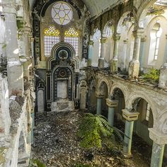 The now abandoned Great Synagogue of Constanta, Romania (via abandonedography.com)