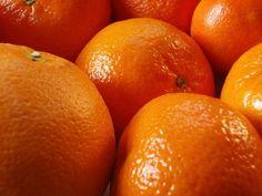 Kronikleşmiş Kabızlığa En İyi Çare Taze Portakal Yaprağı  Hangi yöntemi denediyseniz kabızlığınıza çare bulamadınız mı? İşte size mükemmel bir bitki; taze portakal yaprağı    Kronik kabızlık şikayetlerine karşı harika bir yardımcı olan taze  portakal yaprağı bağırsakların perisaltik hareketlerini tetikler. Bu bitkide bulunan rahmno-glucoside-ve kafein beraberliği bağırsağa doğrudan perisaltik hareketleri kazandırır.