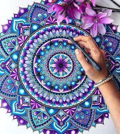 40 Black And White Mandala Art Drawings Like You Have Never Seen - Bored Art Mandalas Drawing, Mandala Painting, Dot Painting, Watercolor Mandala, Mandala Artwork, Watercolor Pencils, Easy Mandala Drawing, Image Painting, Zentangle Patterns