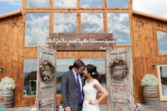 Beautiful summer wedding in rustic chic style at Faithbrooke Barn & Vineyards