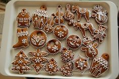 Gingerbread Decorations, Christmas Gingerbread, Gingerbread Cookies, Christmas Cookies, Fancy Cookies, Desserts, Diy, Food, Decorated Cookies
