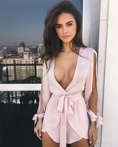 "( ☞ 2016 ☆ HOT BEAUTIFUL GIRL ☆ SOPHIA MIACOVA IN A MINISKIRT. ) ☆ Sophia Miacova - Sunday, January 02, 1994 - 5' 7"" 125 lbs 36-26-36 - Texas, USA."