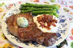 Will you be cooking dinner for your Valentine? Here's how Erin does her Steakhouse Dinner for 2 - (S) www.TrimHealthyMama.com