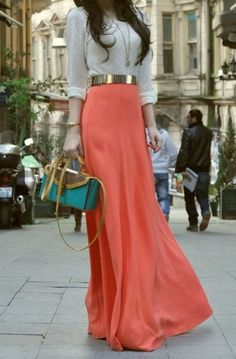 I like the top too. ~ Trendy Long Skirt Idea (19)