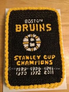 Boston Bruins Banner Cake... This website is the Pinterest of homemade birthday cakes