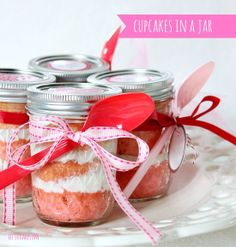 Hi Sugarplum | Pink Ombre Cupcakes in a Jar by hi sugarplum!, via Flickr