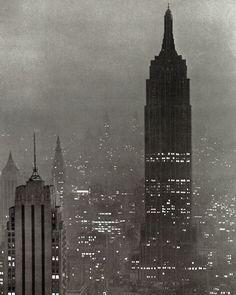New York, 1943, photo by Andreas Feininger via gueule-de-loupviolette