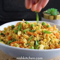 Healthy Fried Rice, Vegetarian Fried Rice, Cauliflower Fried Rice, Cauliflower Recipes, Lentil Recipes, Vegetarian Recipes, Savory Snacks, Low Carb Recipes, Quick Recipes