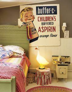 Bedroom. Vintage. Blow mold duck!
