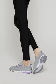 Sporu kendine bir yaşam biçimi olarak belirlemiş kişilere. Sneakers Nike, Fashion, Nike Tennis, Moda, La Mode, Fasion, Fashion Models, Trendy Fashion