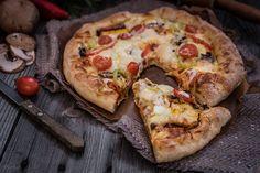 Pizza ala Mamangelic! | φαγητά | με γλουτένη | συνταγές | δημιουργίες| διατροφή| Blog | mamangelic Calzone, Greek Recipes, Vegetable Pizza, Vegetables, Easy, Blog, Vegetable Recipes, Greek Food Recipes, Veggie Food