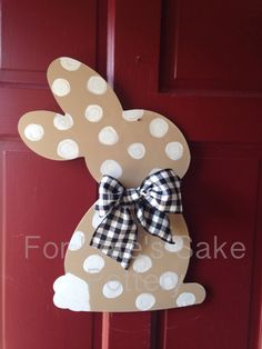Bunny/ Spring door hanger by forpetessakepottery on Etsy Bunny Crafts, Cute Crafts, Easter Crafts, Crafts For Kids, Easter Art, Easter Bunny, Spring Door, School Decorations, Crafty Craft