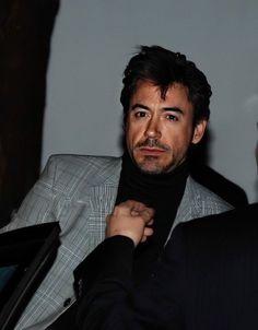 Aw, man, I shot Marvin in the face Robert Downey Jr Young, Rober Downey Jr, Tony Stank, Robert Jr, Hey Man, Downey Junior, Marvel, Good Looking Men, American Actors