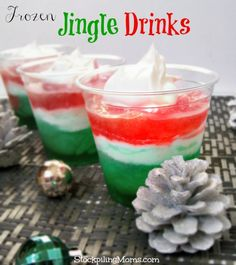 Frozen Jingle Drinks are so easy to make and the kids will love them!  They are made from frozen capri sun!