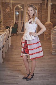 Egyedileg tervezet DeLine menyecskeruha Formal Dresses, Wedding, Vintage, Style, Fashion, Dresses For Formal, Valentines Day Weddings, Swag, Moda