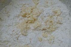 "Tort ""Cusma lui Guguta"" | MiremircMiremirc Coconut Flakes, Grains, Spices, Cooking Recipes, Food, Spice, Chef Recipes, Essen, Eten"