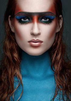 maquillage indien femme, face painting autour des yeux et cils papillons