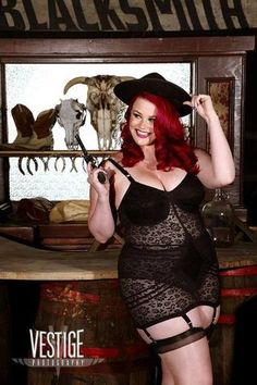 Curvesinlingerie: Ruby Roxx