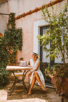 Likes, 251 Comments - Alex Pereira Vacation Style, Vacation Outfits, Sicily Travel, Italy Summer, Summer Story, Italian Street, Italy Outfits, Sicily Italy, Holiday Pictures