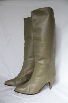 vintage 80's high heel boots stylin taupe SUPERB!