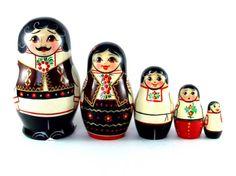 Nesting doll Moldova 5 psc. Russian matryoshka. by VyatkaSouvenirs