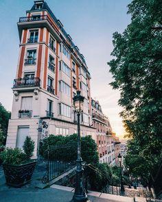 Light in Montmartre