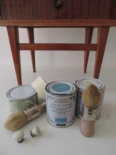 DIY: reciclar una mesilla de noche con chalk paint Furniture Painting Techniques, Paint Furniture, Home Decor Furniture, Diy Home Decor, Chalk Paint Projects, Diy Projects, Pintura Patina, Chalky Paint, Decoupage Vintage
