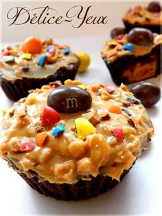 Les Cupcakes Chocolat, Beurre de Cacahuètes & M&M's... - Délice-Yeux, l'univers gourmand de Marine Cupcakes, Diy Food, Cheesecakes, Peanut Butter, Biscuits, Muffins, Deserts, Food And Drink, Thanksgiving