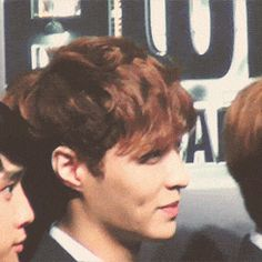 OMG !!!! Lay this dimple gets me crazyyyyy xXDDD adoooore u ♥