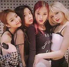 blackpink, lisa, and jennie image Kim Jennie, Jenny Kim, Yg Entertainment, Divas, Blackpink Debut, Hip Hop Girl, Tumbrl Girls, Black Pink Kpop, Thing 1