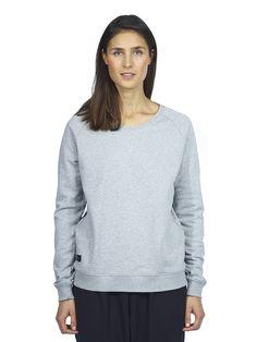 A classic Makia sweashirt with Makia label on bottom side seam. Fall Winter, Pullover, Sweatshirts, Sweaters, Women, Fashion, Moda, Fashion Styles, Sweater