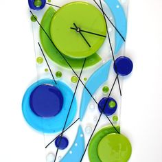 fused glass clock in aqua and lime green with an underwater quality. Glass Wall Art, Fused Glass Art, Mosaic Glass, Clock Art, Diy Clock, Clock Ideas, Glass Fusing Projects, Unique Wall Clocks, Stained Glass Patterns