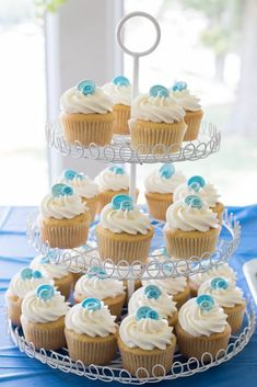 Baby Shower Ideas and Cupcakes that are Cute as a Button!