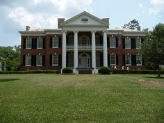Auburn in Natchez, MS. Built in 1812, it is one of the oldest houses along the Mississippi River.