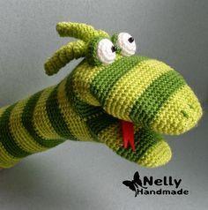 Nelly Hecho a mano: la serpiente. -Toy manopla. Descripción