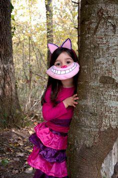 fleetingthing: dressing up Alice in Wonderland's Cheshire cat