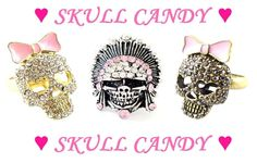 No one can resist a skull with a bow!