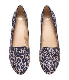 These leopard print loafers are the perfect accents to top off an outfit. | H&M Shoes